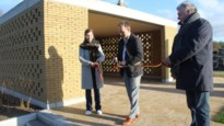 Nieuwe groetzone op kerkhof Elzestraat ingehuldigd