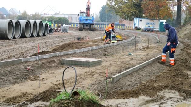 """Rotonde Ternesselei krijgt vorm, maar is pas eind januari klaar: """"Werf mag best wat meer vaart krijgen"""""""