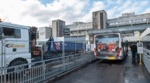 De Lijn gaat elektrische bussen opladen op parking UZA: in april beginnen proefritten in Antwerpen