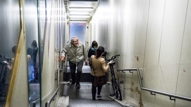 Defect aan lift fietserstunnel hersteld