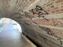 Vandalen bekladden eeuwenoude Grootbrug