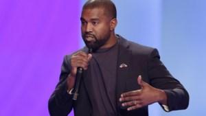 """Bescheiden als altijd: Kanye West noemt zichzelf """"de grootste artiest die God ooit gecreëerd heeft"""" in bizarre toespraak"""
