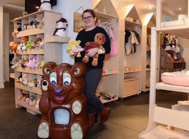 "'t Gelukske in Lievevrouwestraat pakt uit met knuffelberenmachine: ""Speciaal in Engeland gaan halen"""