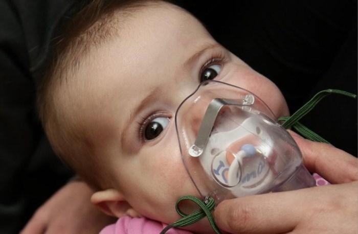 """Luchtwegeninfectie bij kleine kinderen in opmars: """"En de piek moet nog komen"""""""