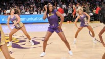 LeBron James loodst Lakers met historische statistieken naar winst met Venus Williams als cheerleader