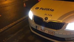 Fietsster zwaargewond na vluchtmisdrijf: dronken chauffeur deelt klappen uit aan omstaanders