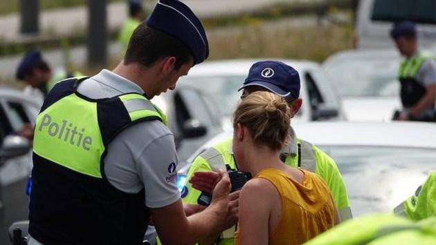 Politie int voor 24.000 euro aan boetes tijdens controle op Bredabaan in Merksem
