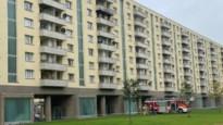 Brandweer rukt uit naar flatgebouw op Luchtbal voor brand op terras