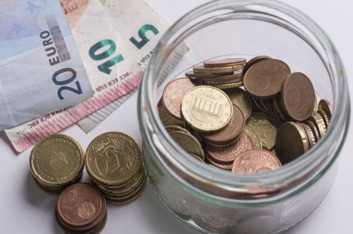 """Banken overwegen strafrente: moet jij straks betalen op je spaarboekje? """"Dat kan niet anders"""""""