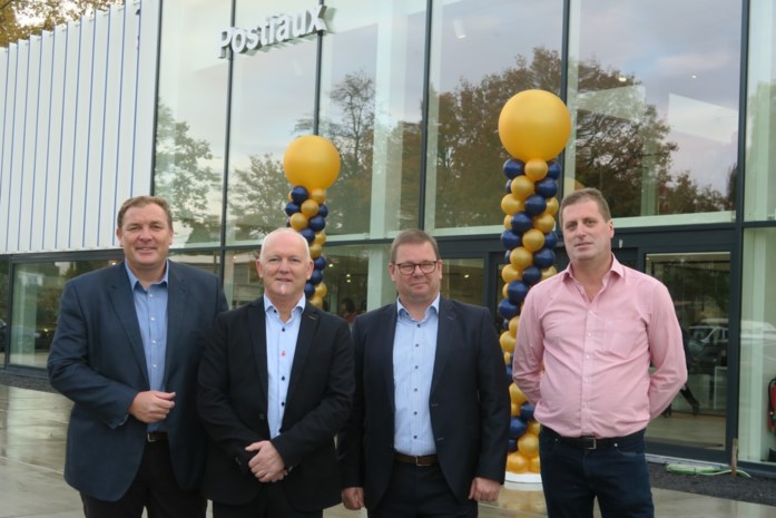 "Familie Postiaux viert vijftigjarig bestaan in Zweeds glazen paleis: ""Koel vanbuiten, warm binnenin"""