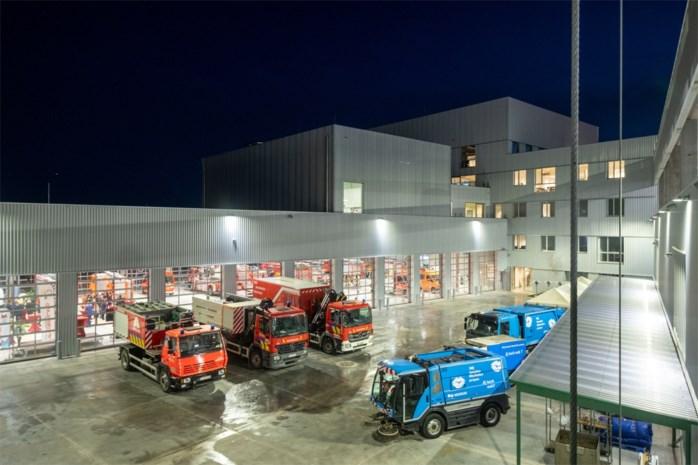 """Nieuwbouw van 29 miljoen voor stad en brandweer helemaal in gebruik: """"De modernste van Vlaanderen"""""""