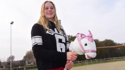 Vergeet paardrijden, populair bij tieners is rijden met… een stok