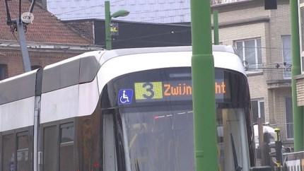 """Gemeente Zwijndrecht niet te spreken over tram 3: """"De Lijn stuurt je met een kluitje in het riet"""""""