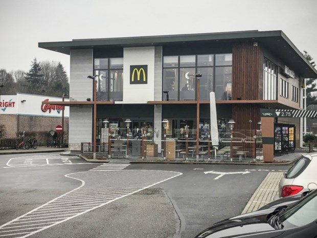 19-jarige riskeert meer dan jaar cel na diefstal 30.000 euro van werkgever McDonald's