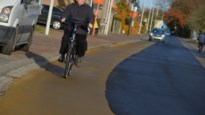 """Gemeente wil niet betalen voor miskleun: """"Nieuwe fietssuggestiestroken zijn een schande"""""""