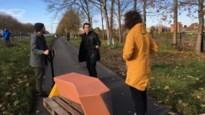Design zitbanken langs vaart zijn geprint uit gerecycleerd plastic