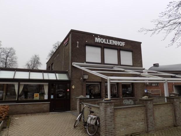 Parochiecentrum Mollenhof blaast veertig kaarsjes uit