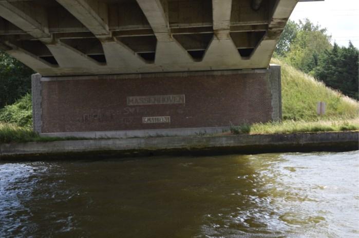 Staal nieuwe brug Massenhoven net voor faillissement verscheept