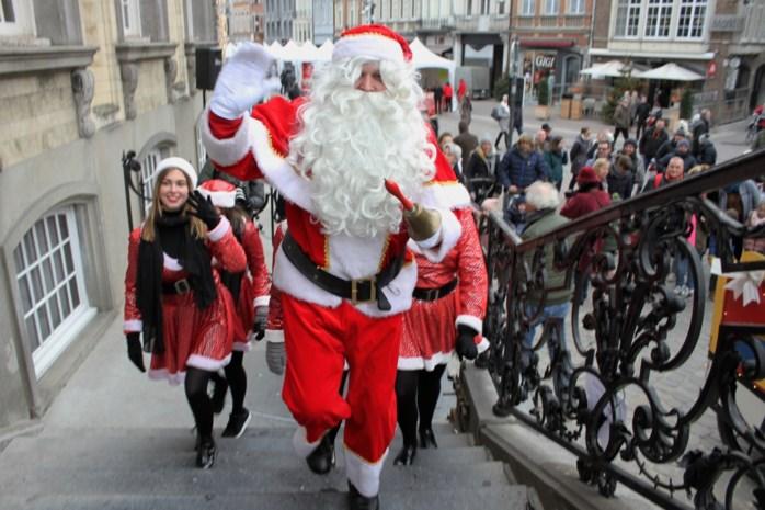 Stad Lier steekt kerstverlichting aan op sinterklaasdag