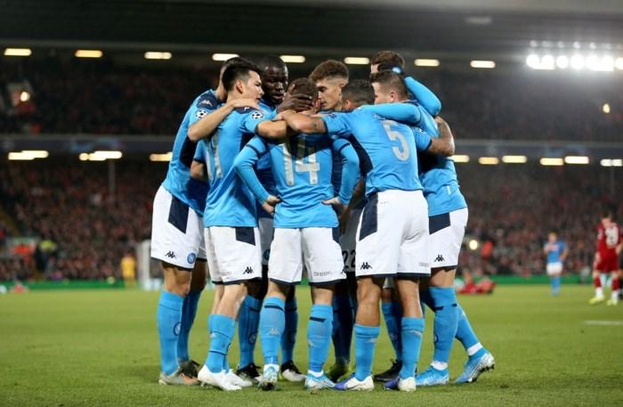 """Spelersvakbond FIFPro steunt spelers van Napoli in verzet tegen voorzitter: """"Geen geldige basis om loon in te houden"""""""