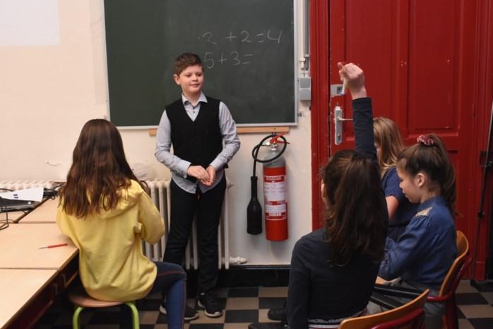 Leerlingen MozaWiek vieren 100-jarig bestaan school