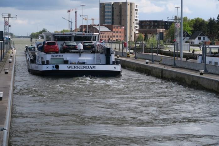 """Sluizen Albertkanaal werken vanaf januari ook op zondag: """"Eindelijk. Elders in Europa gebeurt dit al veel langer"""""""