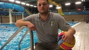"""Twee spelers van waterpoloclub raken ernstig gewond door agressieve tegenspeler: """"Dit is absoluut niet goed voor onze sport"""""""