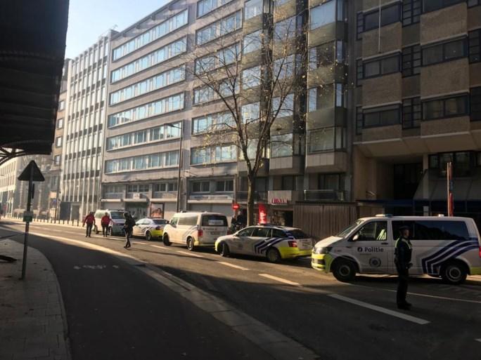 Verdachte koffer in Pelikaanstraat blijkt vals alarm