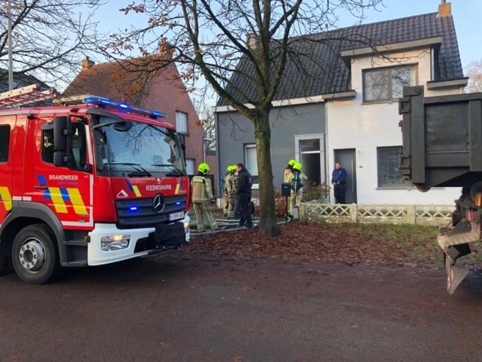 Brandweerkorpsen rukken uit naar Vrijheidsstraat