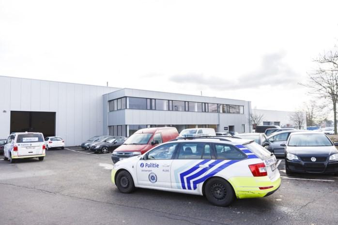 Wilrijkse autohandel onder vuur genomen met machinegeweer: aanslag lijkt rechtzetting van vergissing in Ekeren