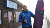 Mechelaar Vincent Valkenaers is met 103,7 kilometer per uur de snelste man ooit op een surfplank
