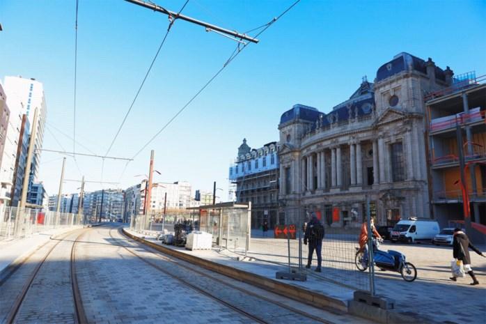 Premetrostation Opera kan na vier jaar weer open, nieuwe tramlijn 1 verbindt noorden en zuiden van stad