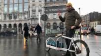 COLUMN. Net als zitbanken en roltrappen zou een kwalitatieve fietsparking gratis moeten zijn