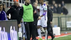 Opnieuw pech voor Anderlecht: Vincent Kompany moet in bekerwedstrijd op Moeskroen geblesseerd naar de kant