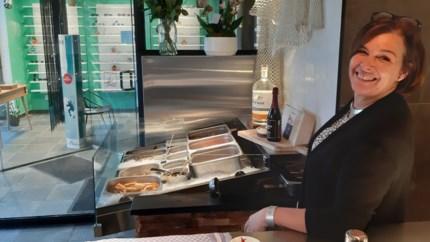 """Lieve Stevens opent op Stadsplein seafood-bar Den Bassin, mét afhaalservice: """"We brengen het zeegevoel naar Mortsel"""""""