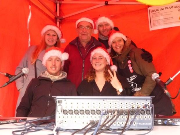 Pop-up studio Radio Thumor staat dit jaar weer op de kerstmarkt