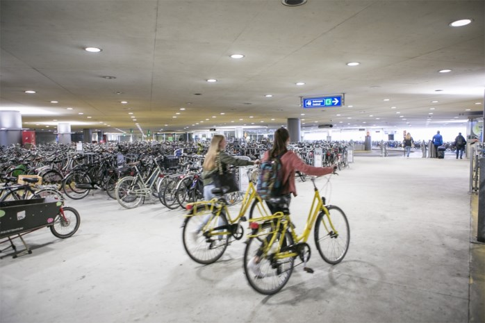 Groen voert actie tegen betaalparking voor fietsers op Koningin Astridplein