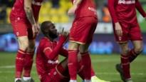 LIVE. Lamkel Zé steelt opnieuw de show, Antwerp leidt halverwege met 0-1 in Beveren