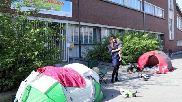 Gedaan met schoolkamperen: aanmeldsysteem in lokale basisscholen