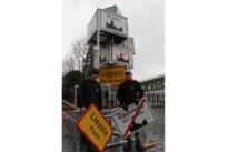"""Ruisbroekenaar ontwerpt fusiekerstboom: """"32 gemeenteborden en toch zijn we één"""""""