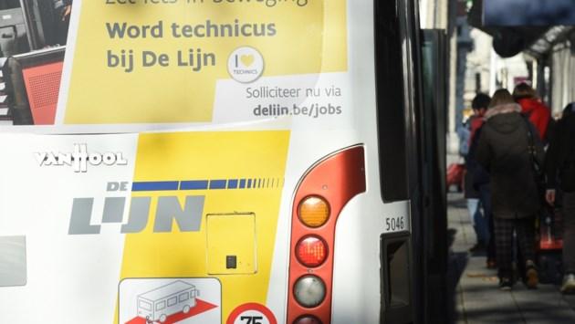 """Minder dan de helft van de lijnbussen is niet op tijd: """"Investeer in alternatieven"""""""