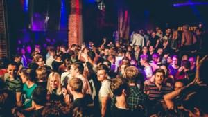 Wel Jong Niet Hetero viert 25ste verjaardag in café Den Draak en Red&Blue