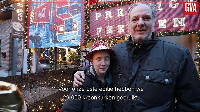 29.000 kroonkurken vormen indrukwekkende kersttruck op gevel van café The Sting