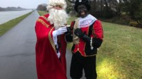 Collega's Martens Hout tonen hart van goud: 'Sint en Piet' stappen 22 kilometer door weer en wind voor weeshuis in Cambodja