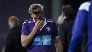 """Joren Dom krijgt eerste rode kaart in zijn carrière: """"Waarom is er geen VAR in 1B?"""""""