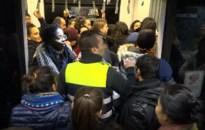 Meteen chaos in premetrostation Astrid door nieuwe regeling De Lijn