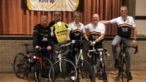 De Mollen(vrienden) fietsen op rollen voor Kom op tegen Kanker