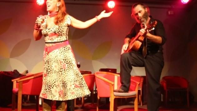 Legendarische cafébazin An Neyrinck (66) komt uit (muziek)kast met debuut-cd