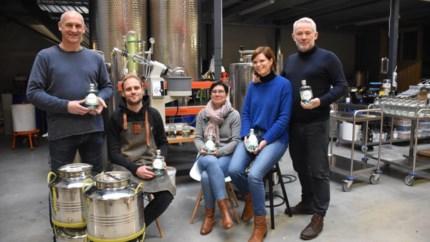 """Sterkstokers maakt alcoholvrije gin: """"Eerste testen waren ronduit slecht"""""""