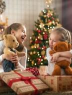 Geschenkjes uitpakken voor de neus van je kinderen: een goed idee?